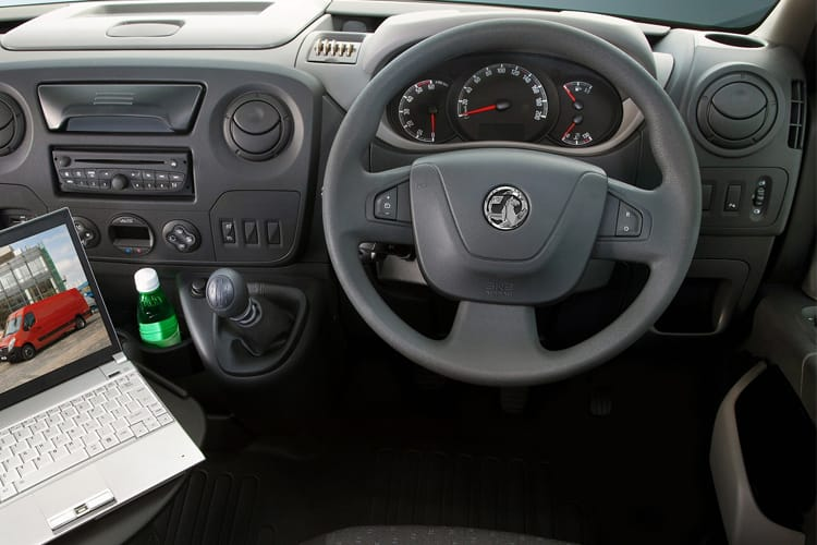 Vauxhall Movano F35 L3 2.3 CDTi BiTurbo FWD 150PS  Chassis Cab Manual [Start Stop] inside view