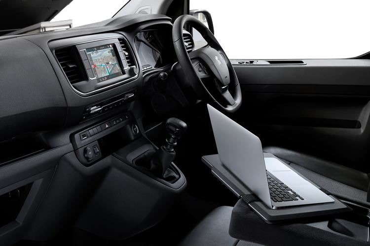 Peugeot Expert Standard 1400Kg 2.0 BlueHDi FWD 150PS Asphalt Van Manual [Start Stop] inside view